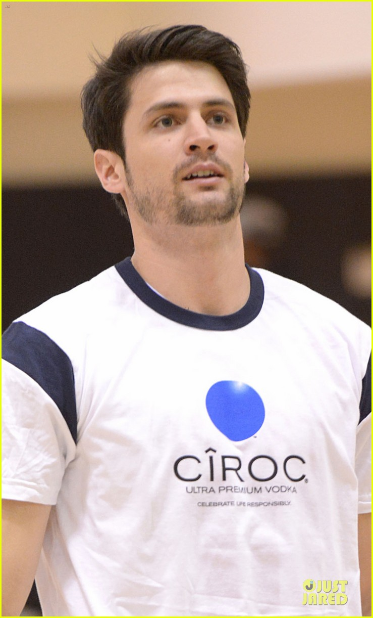 josh hutcherson james lafferty ciroc court basketball game 042810437