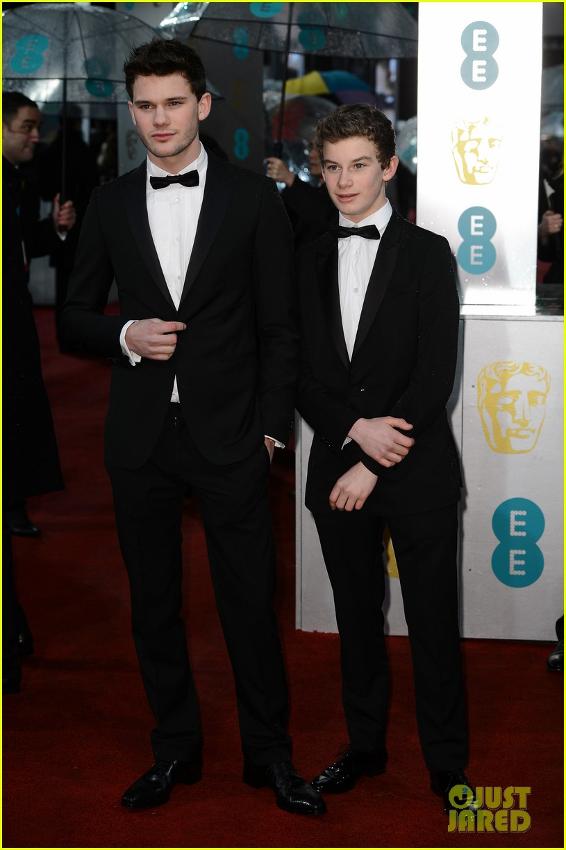 jeremy irvine suraj sharma baftas 2013 red carpet 012808829