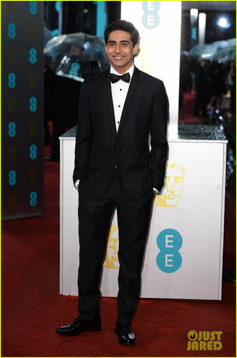 jeremy irvine suraj sharma baftas 2013 red carpet 052808833