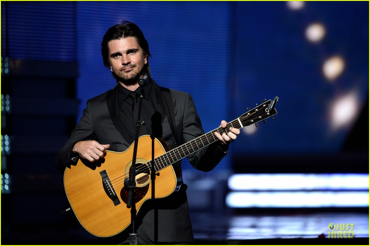 juanes grammys 2013 performance watch now 022809661