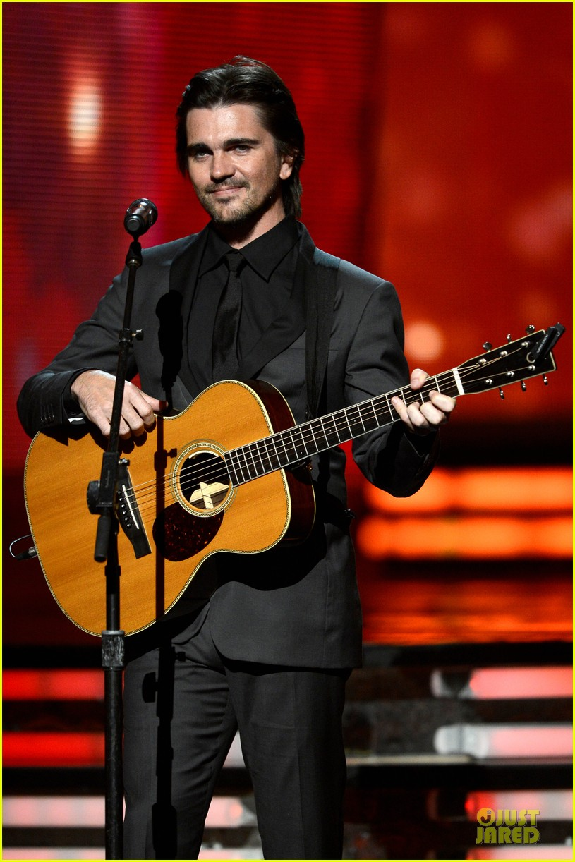 juanes grammys 2013 performance watch now 032809662
