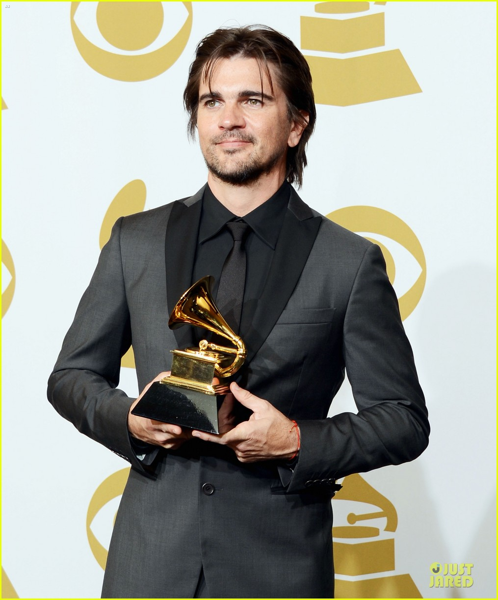 juanes grammys 2013 performance watch now 04