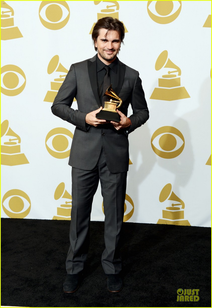 juanes grammys 2013 performance watch now 06