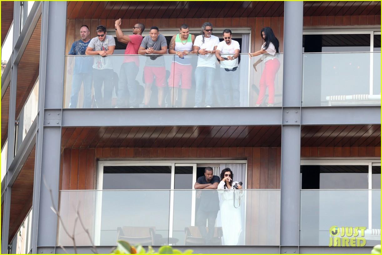kim kardashian kanye west balcony fun with will smith 012810150