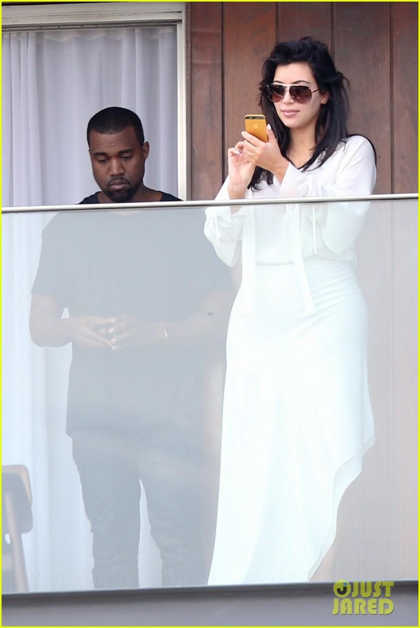 kim kardashian kanye west balcony fun with will smith 022810151