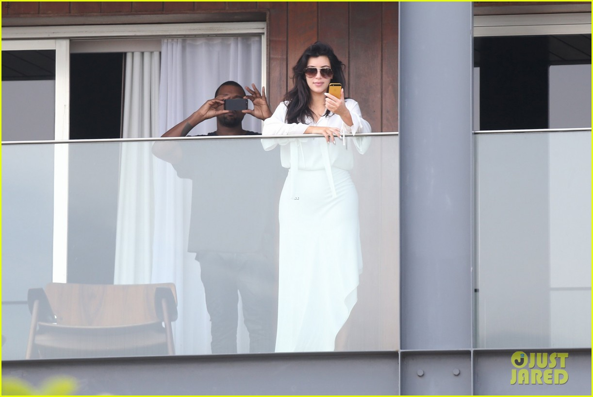 kim kardashian kanye west balcony fun with will smith 08