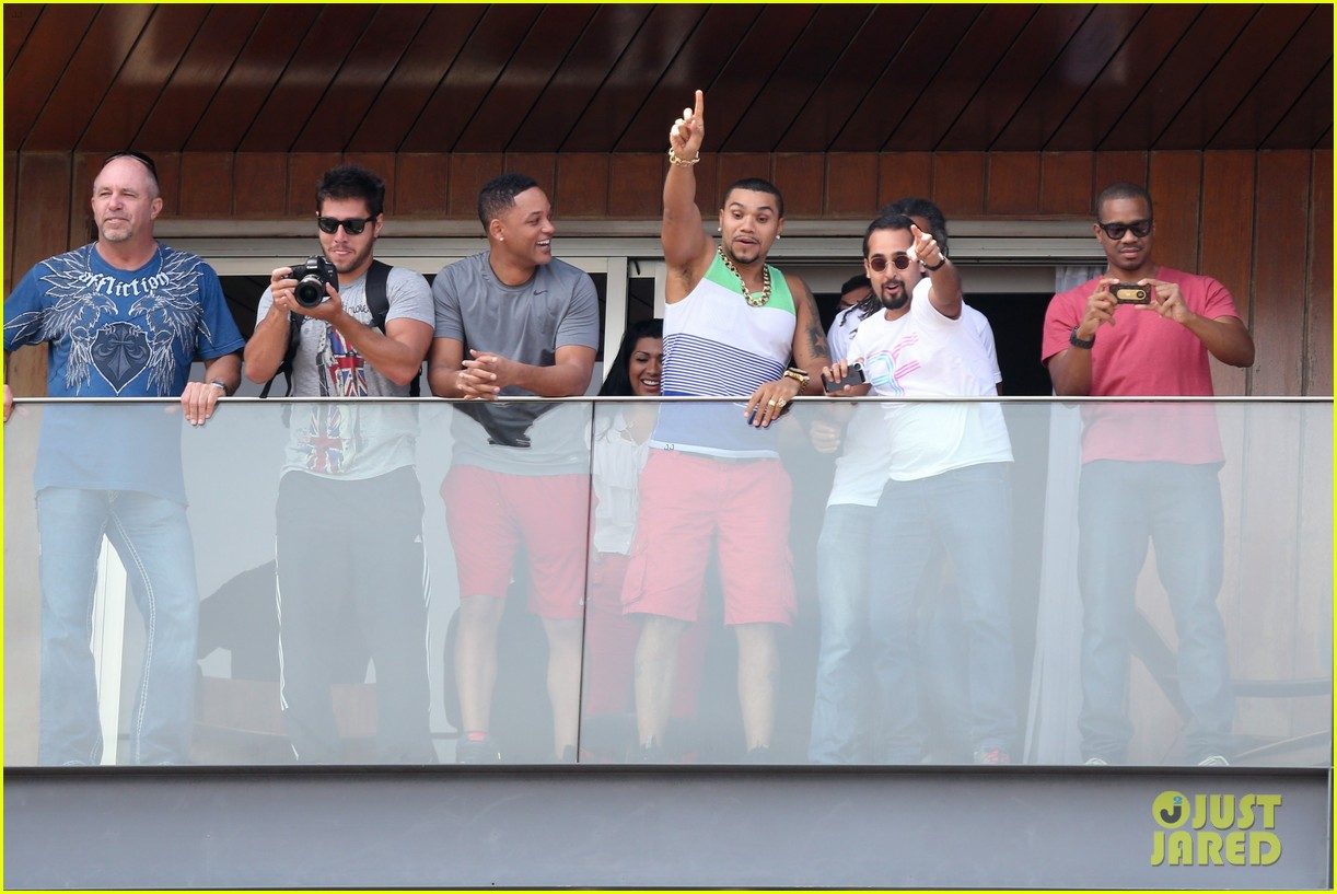 kim kardashian kanye west balcony fun with will smith 23