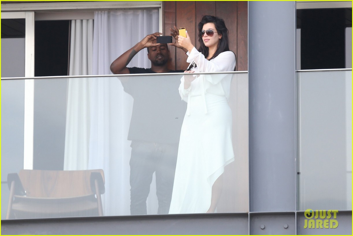 kim kardashian kanye west balcony fun with will smith 26