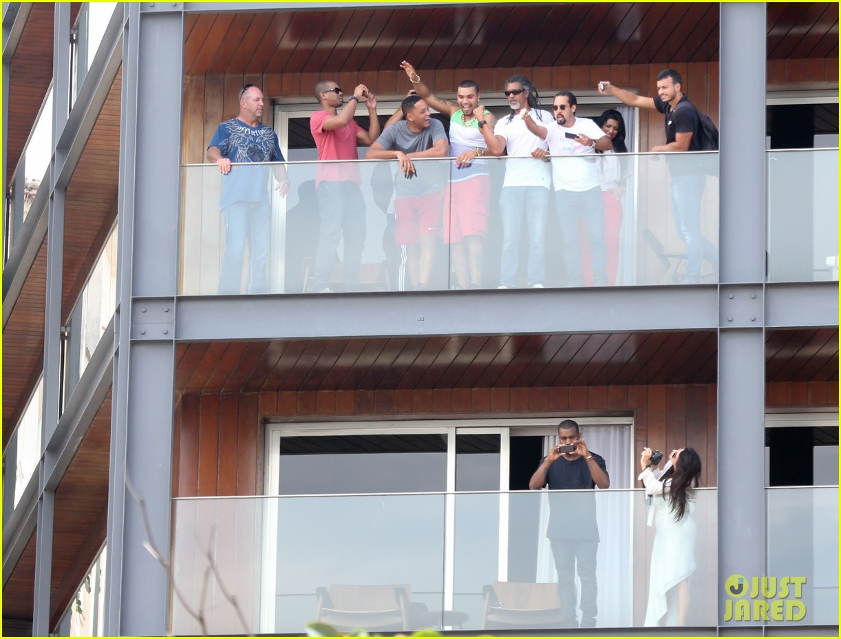 kim kardashian kanye west balcony fun with will smith 29