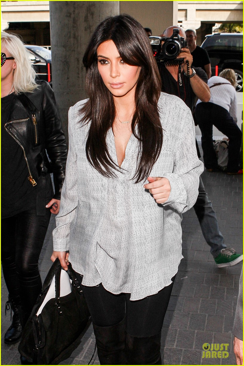 kim kardashian pregnant divorce trail date set 042813388