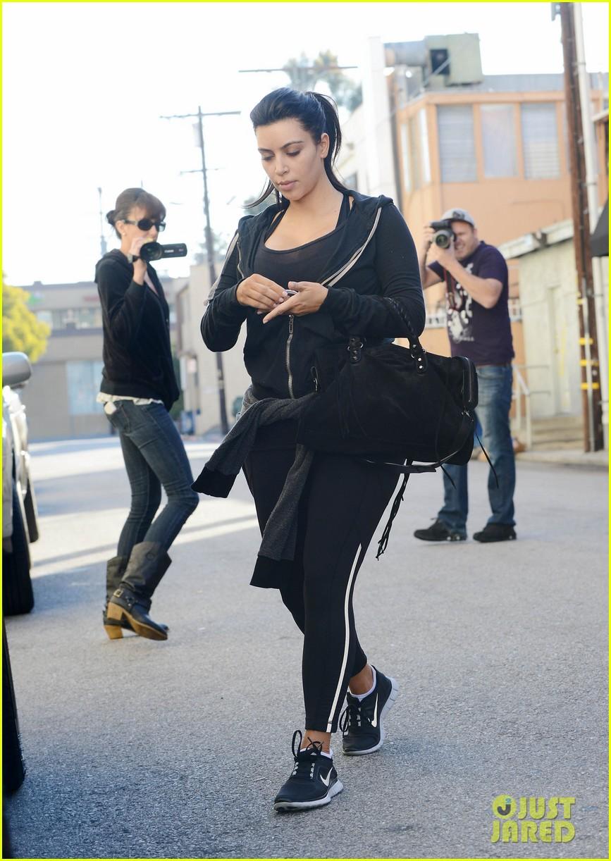 kim kardashian i found the perfect maternity jeans 182821329