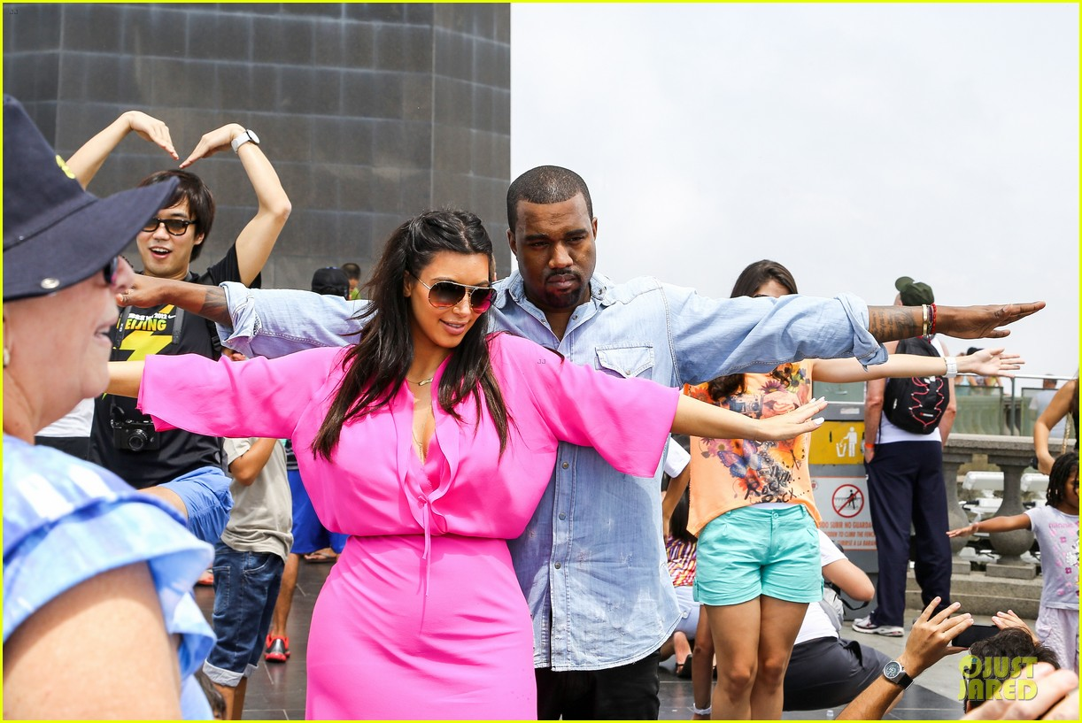 pregnant kim kardashian kanye west rio sightseeing couple 022807907
