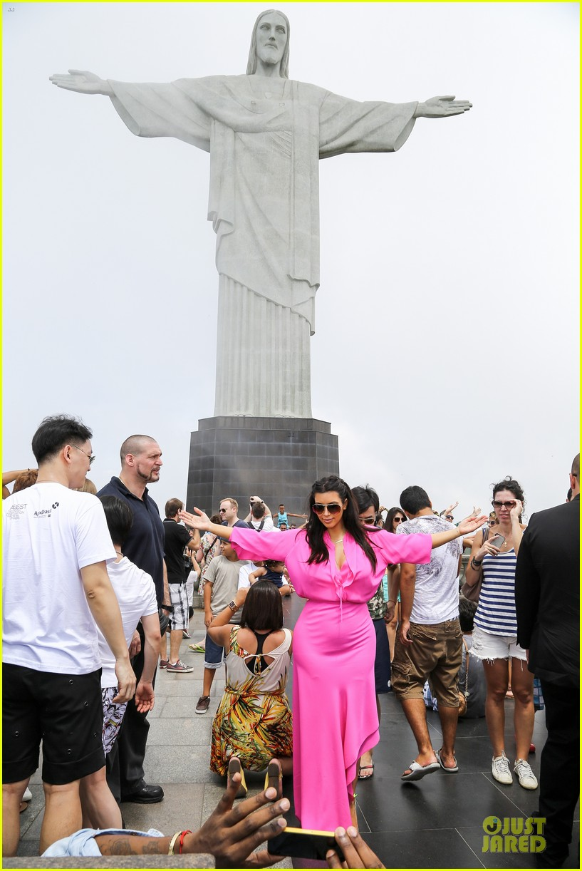 pregnant kim kardashian kanye west rio sightseeing couple 122807917