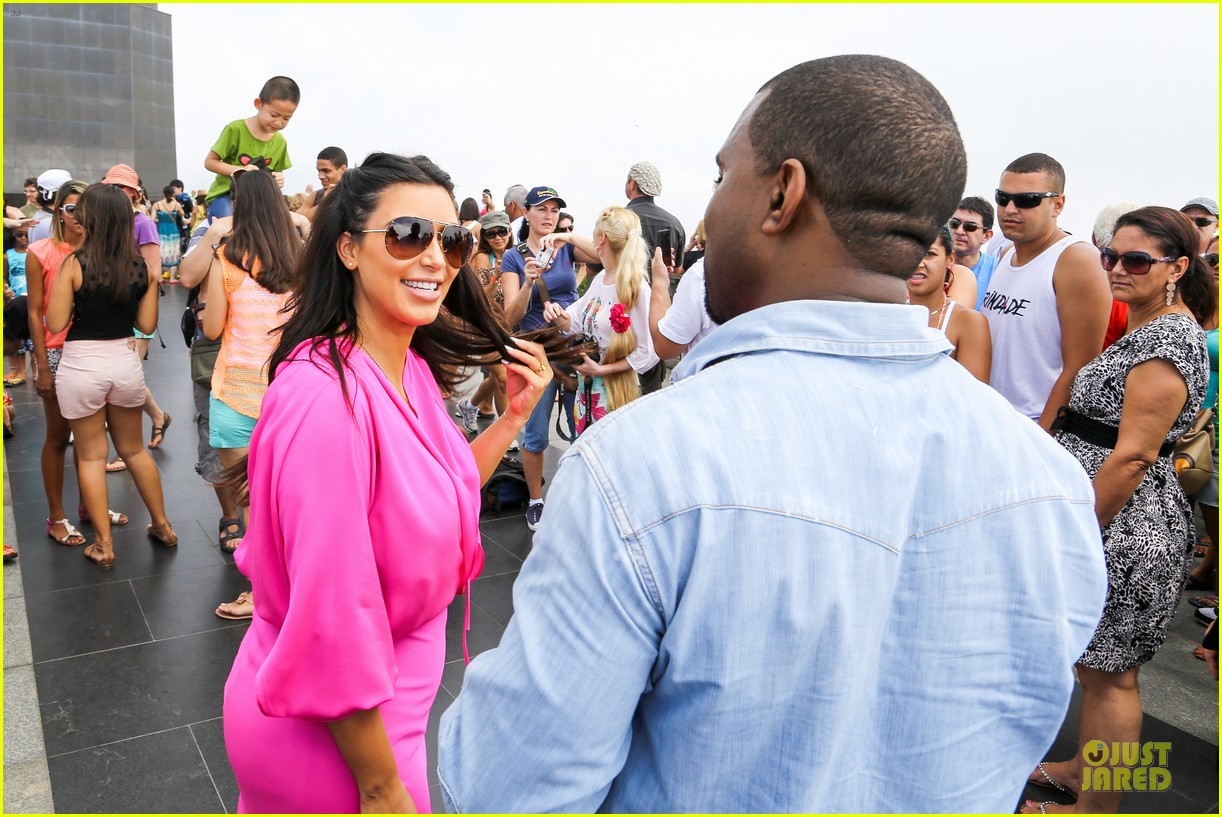 pregnant kim kardashian kanye west rio sightseeing couple 13
