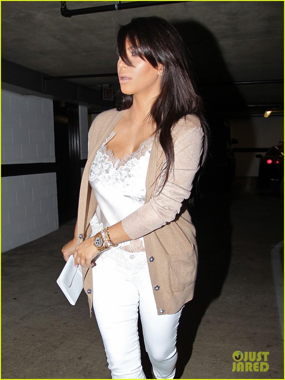 kim kardashian pregnant in skinny jeans 242822516