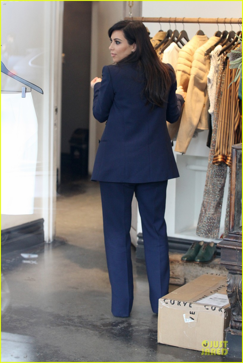 kim kardashian suiting baby bump 162805436