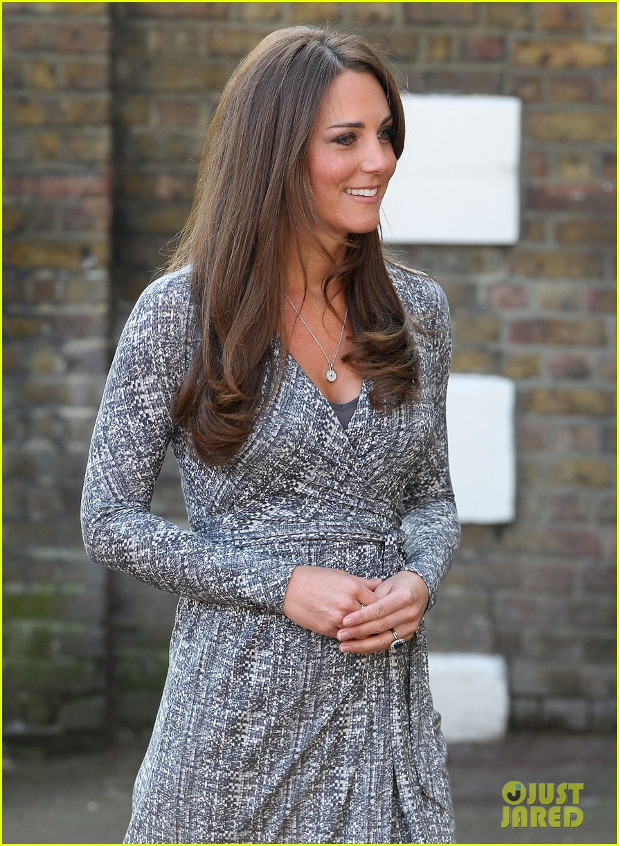 pregnant kate middleton hope house visit 022814792