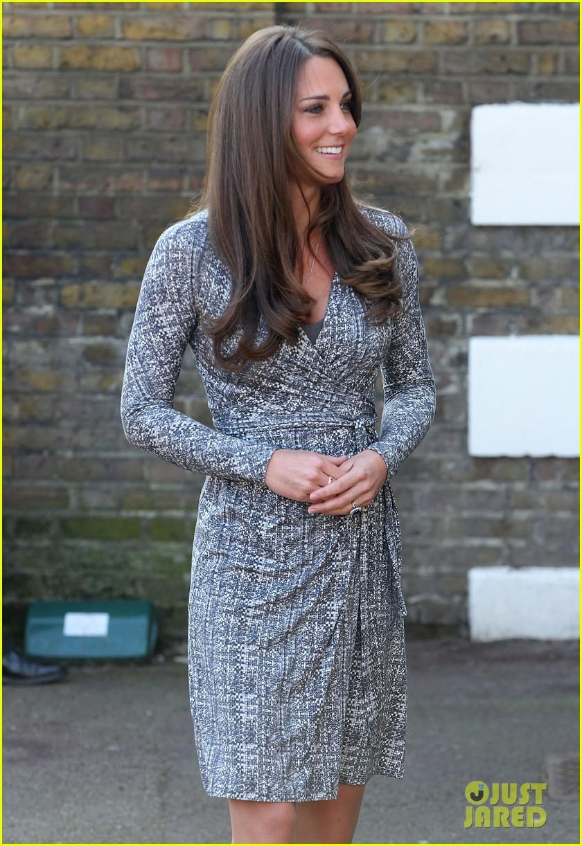 pregnant kate middleton hope house visit 072814797