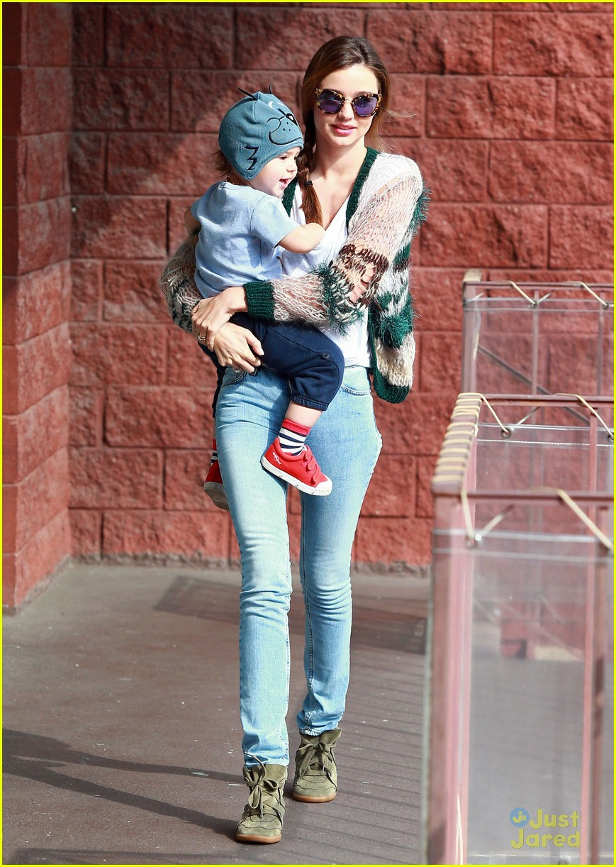 miranda kerr gymnastics class with flynn 18