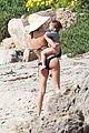 miranda kerr orlando bloom kite flying with flynn 01
