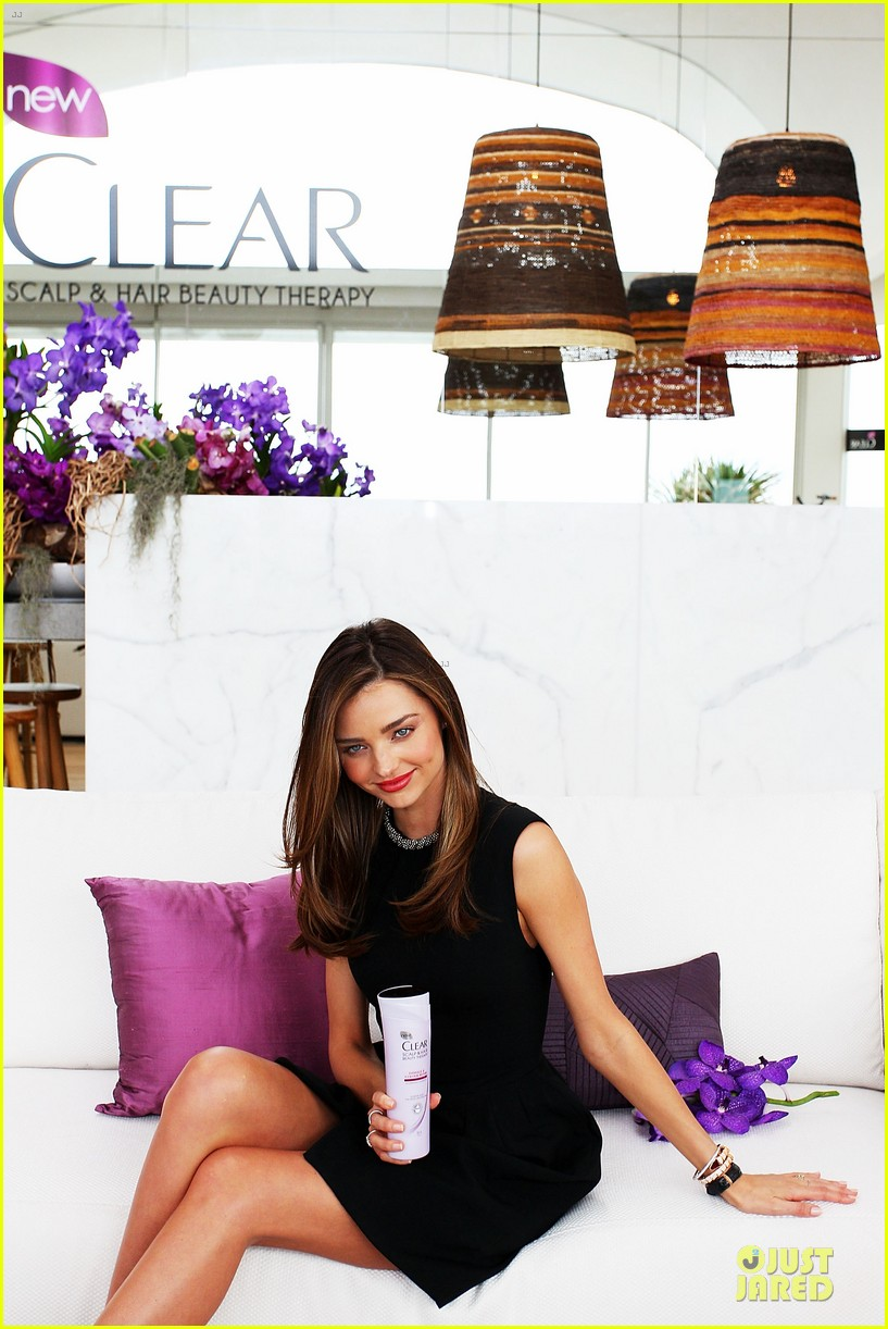 miranda kerr clear scalp hair beauty therapy ambassador media call 092810868