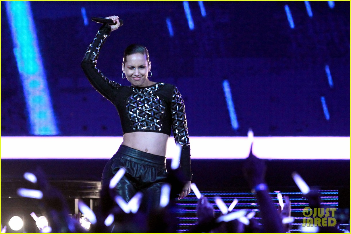 alicia keys nba all star game halftime show watch now 022814342