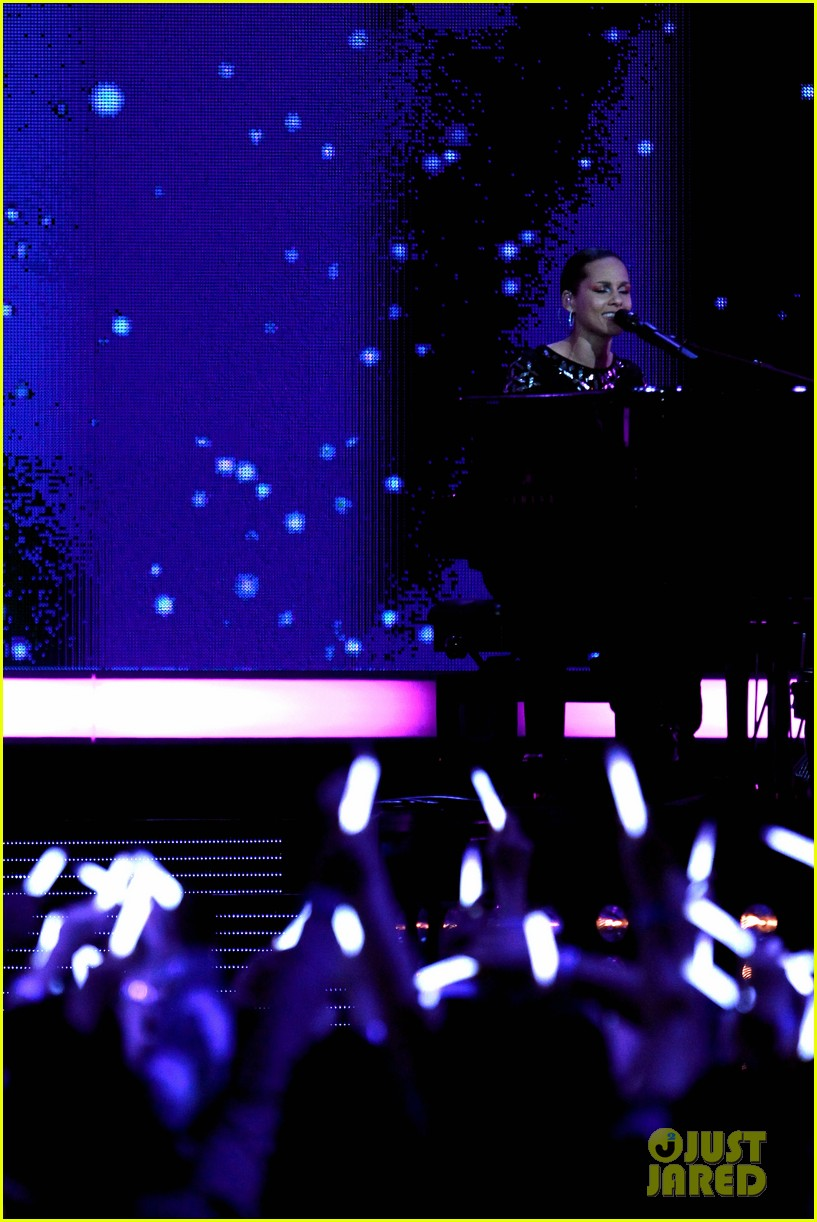 alicia keys nba all star game halftime show watch now 092814349