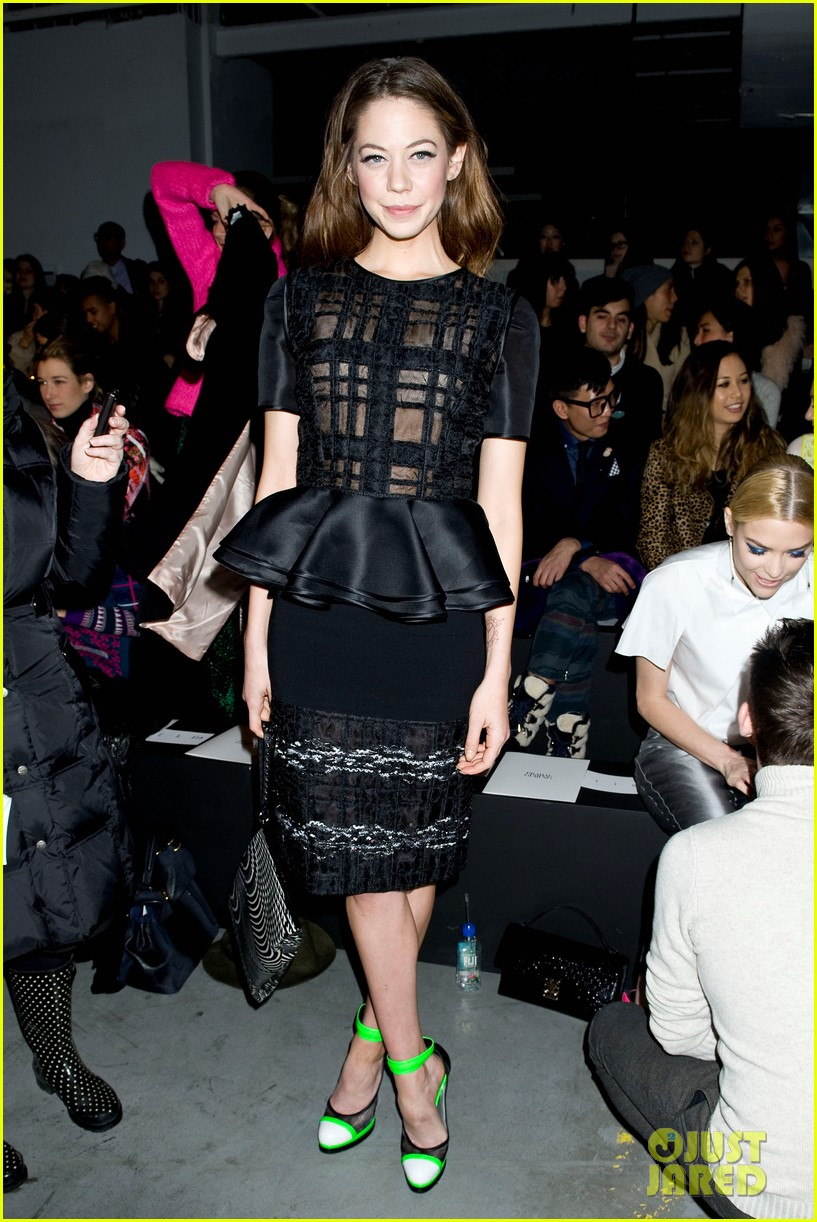 jaime king analeigh tipton neon shoes at prabal gurung 03