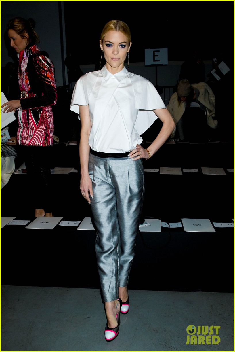 jaime king analeigh tipton neon shoes at prabal gurung 072808252