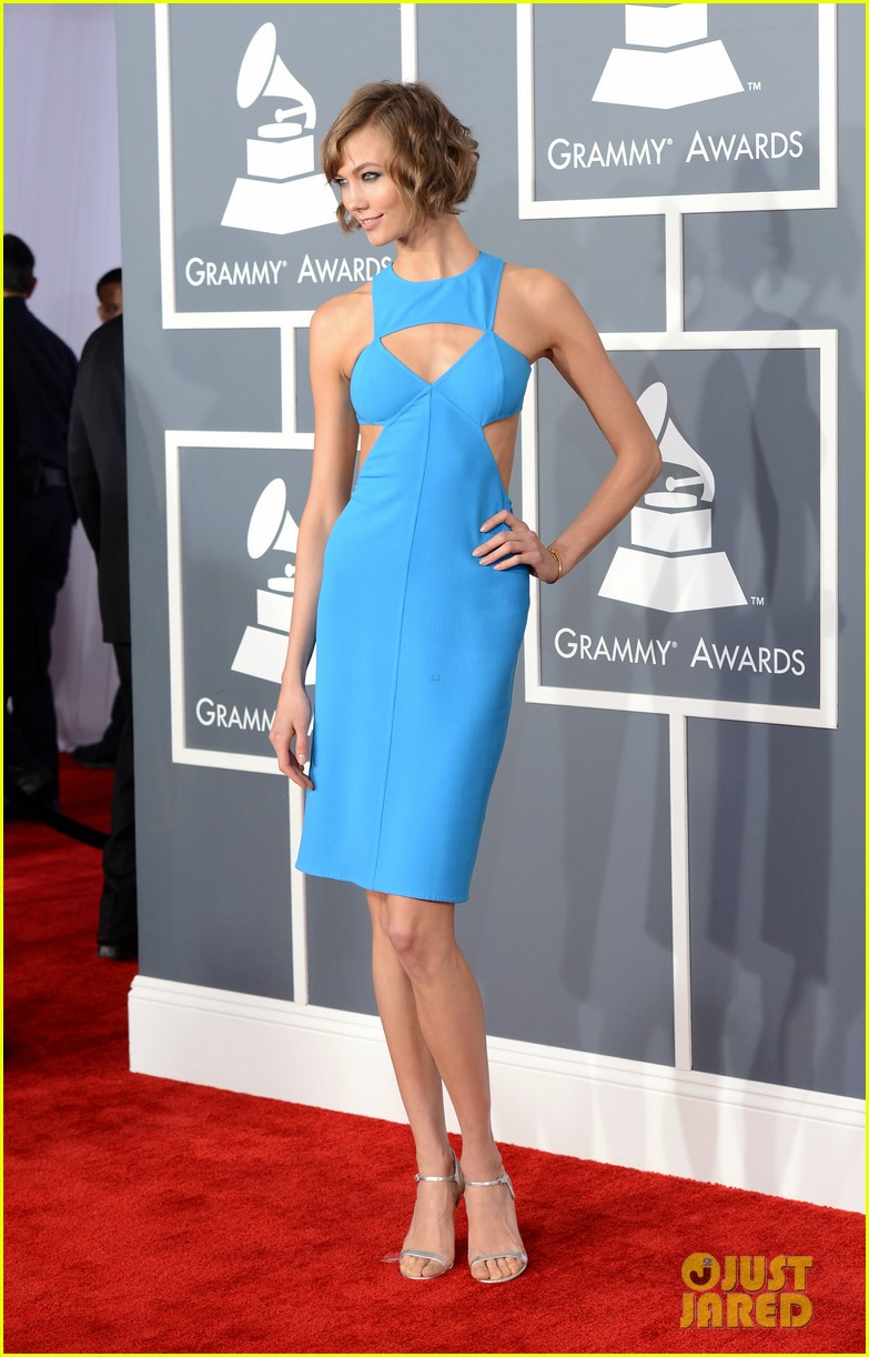 karlie kloss grammys 2013 red carpet 012809092