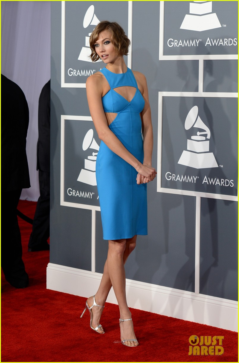 karlie kloss grammys 2013 red carpet 022809093