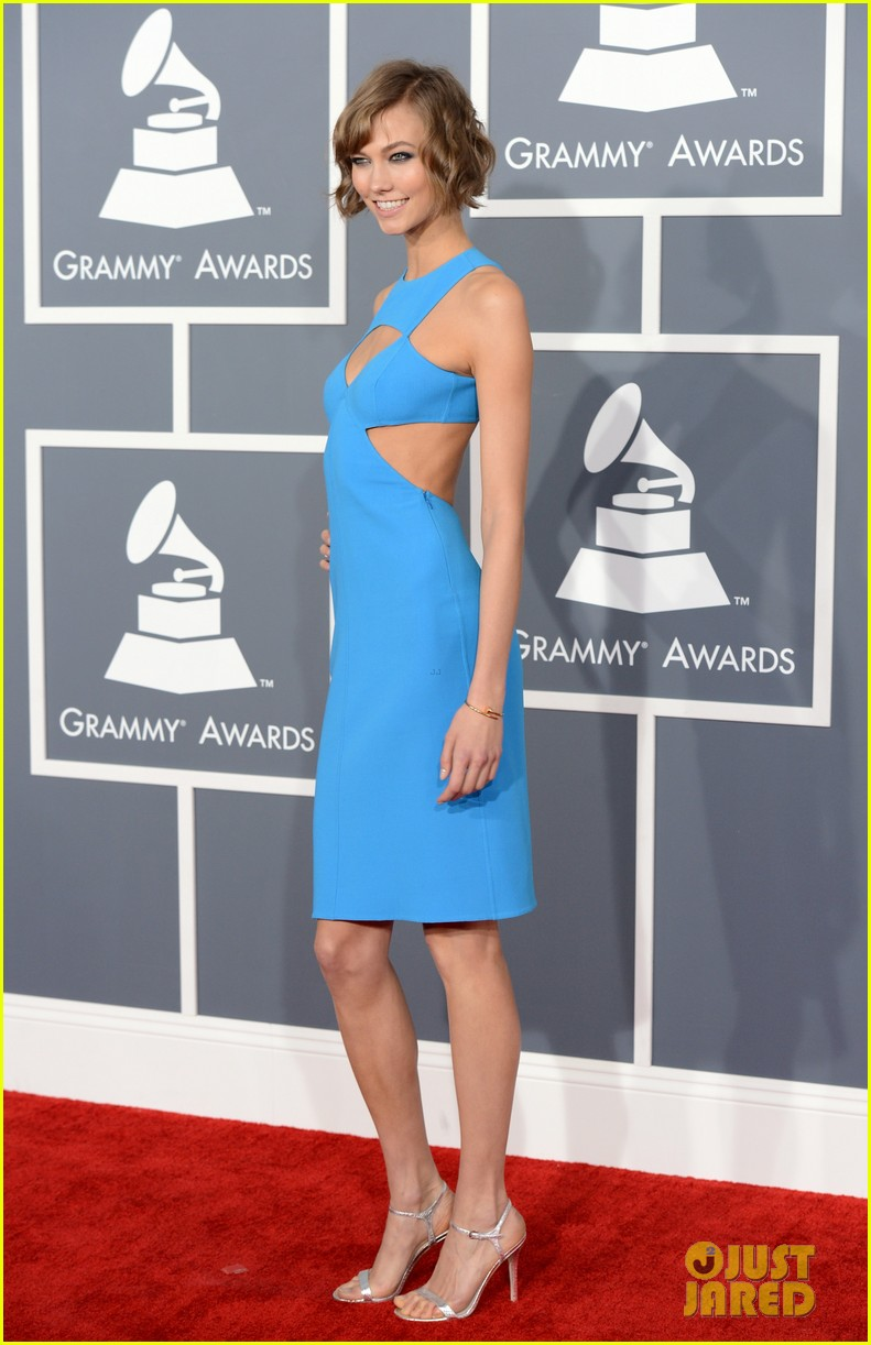 karlie kloss grammys 2013 red carpet 042809095