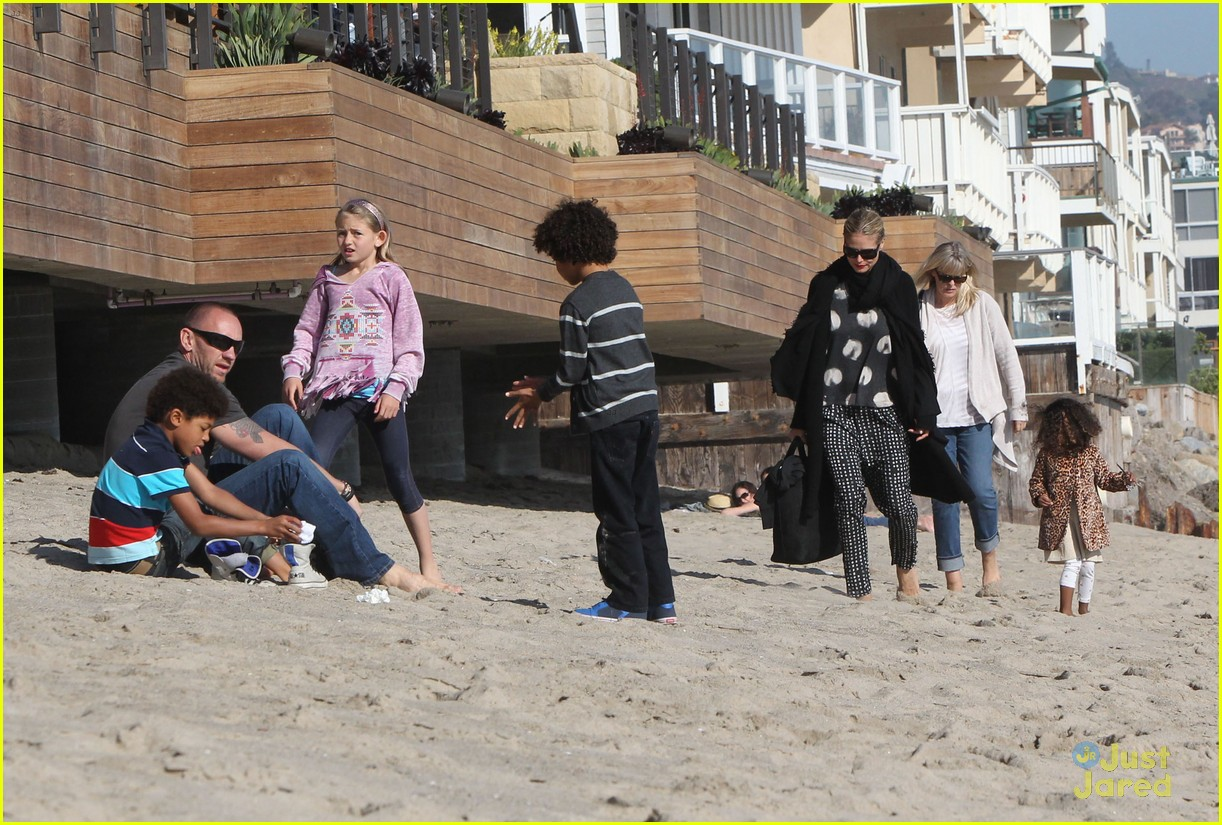 heidi klum martin kirsten beach day with the kids 122814902