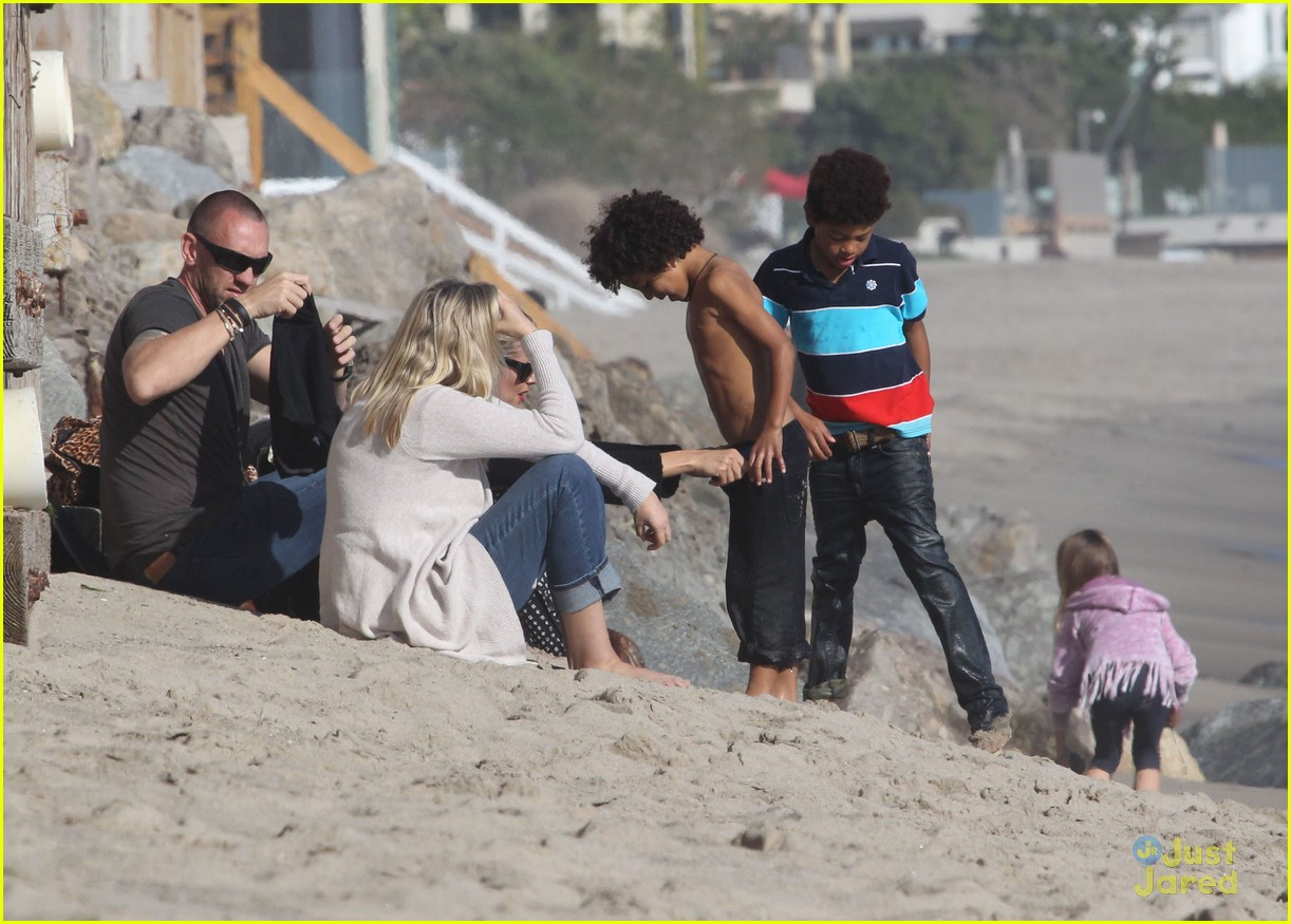 heidi klum martin kirsten beach day with the kids 142814904