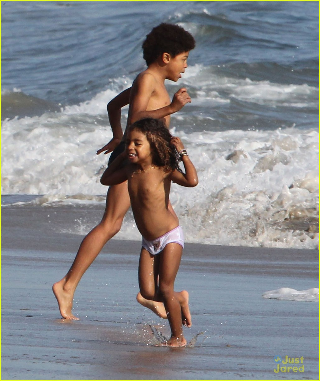 heidi klum martin kirsten beach day with the kids 192814909