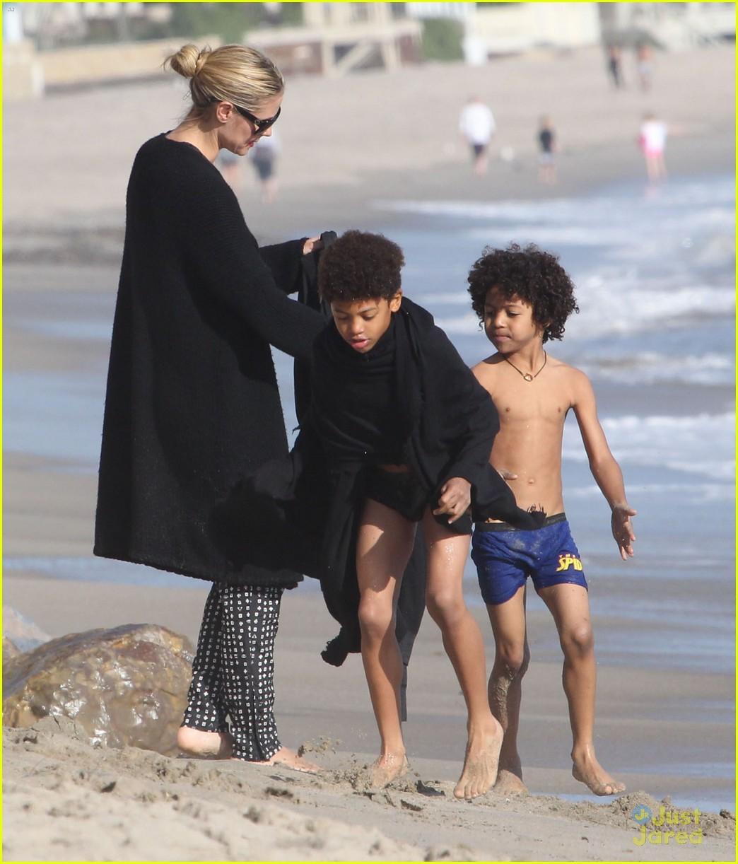 heidi klum martin kirsten beach day with the kids 272814917