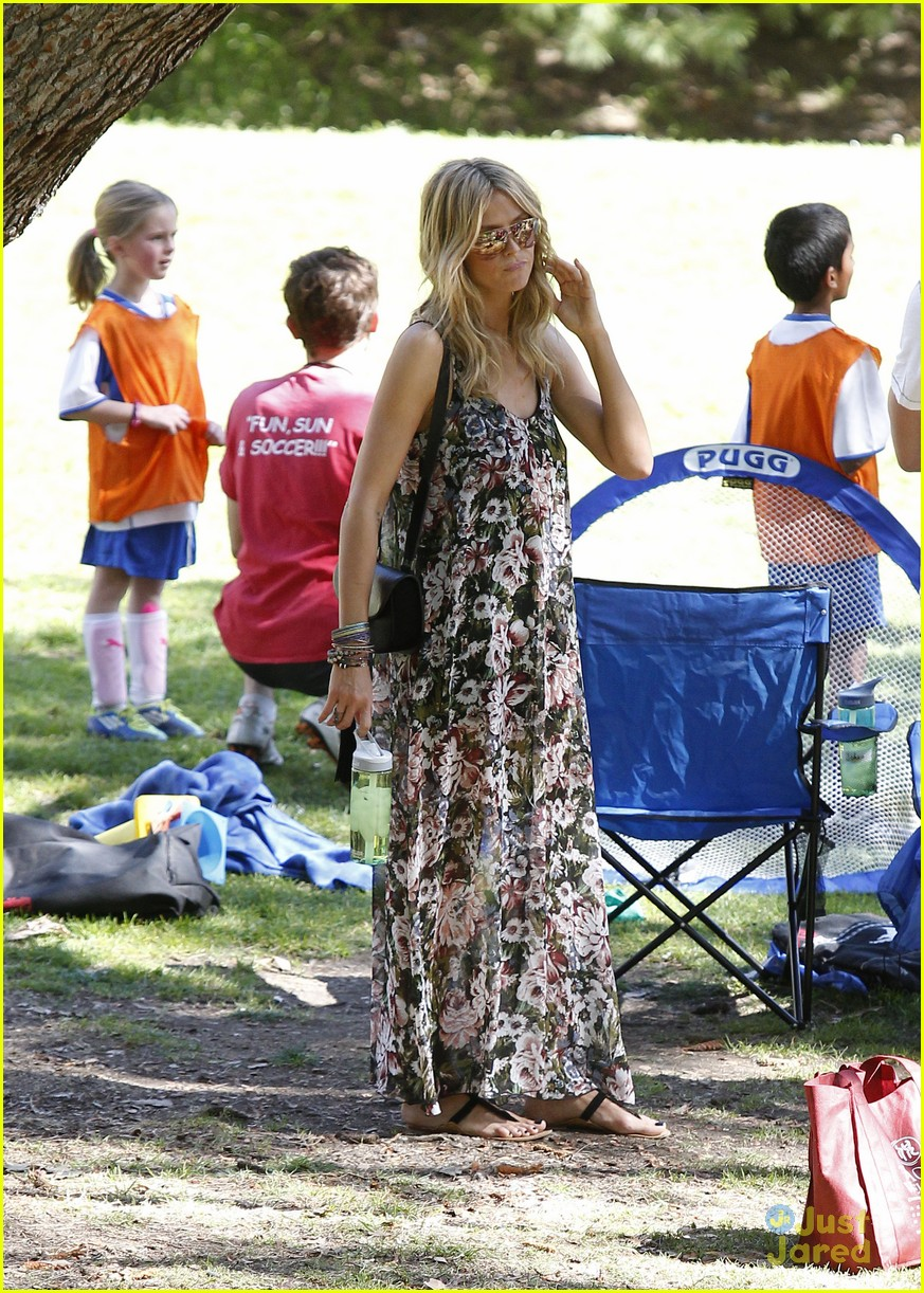 heidi klum martin kirsten beach day with the kids 482814938