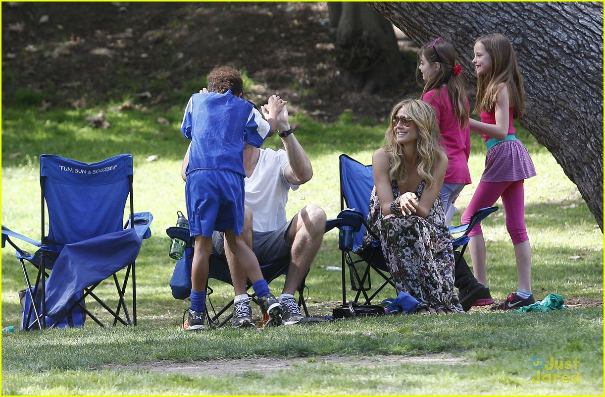 heidi klum martin kirsten beach day with the kids 542814944