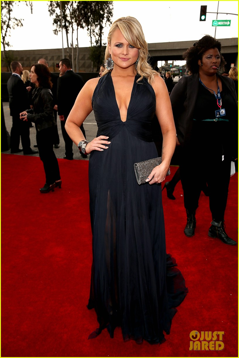 miranda lambert grammys 2013 red carpet 01