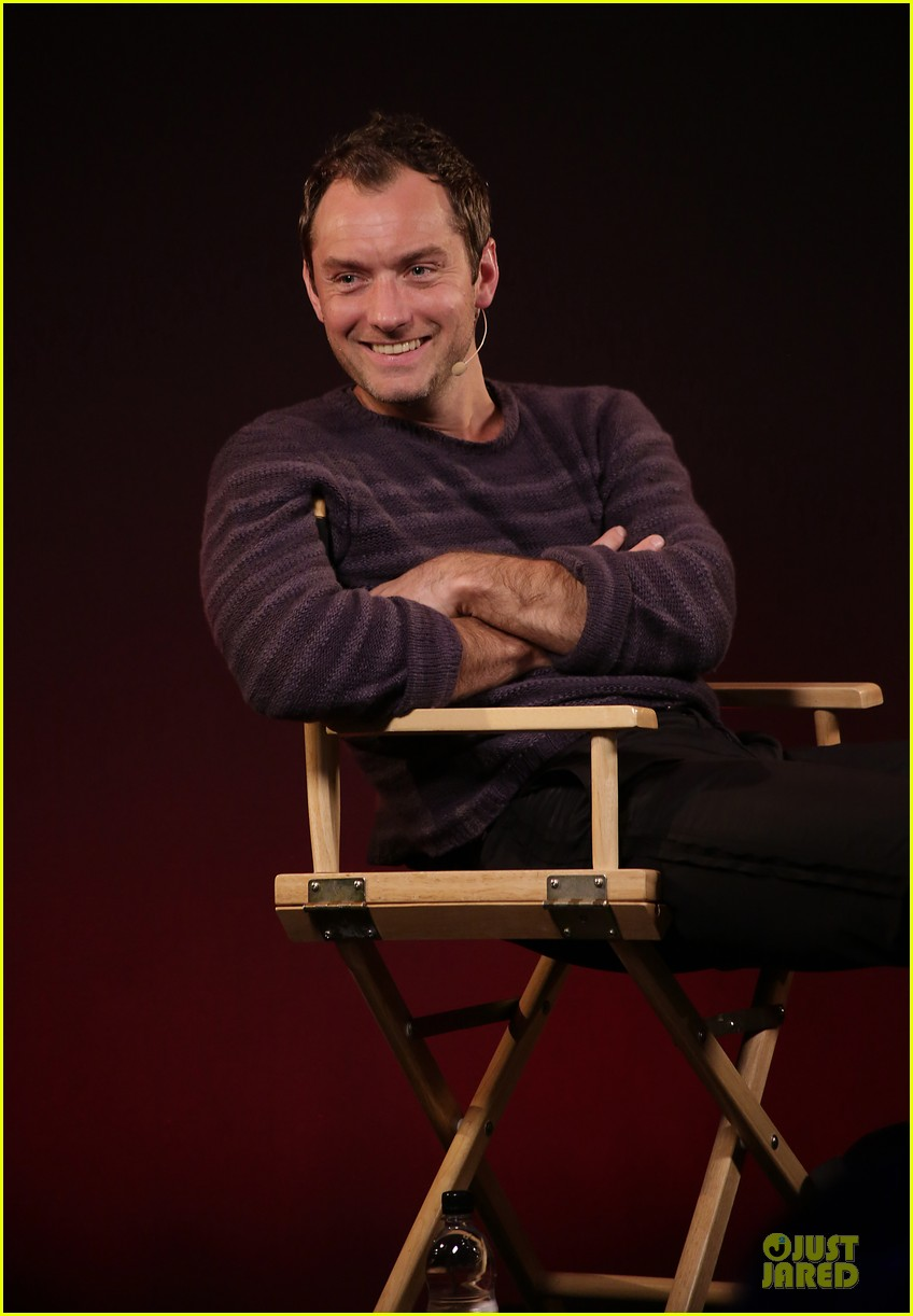 jude law side effects promotion at apple 04