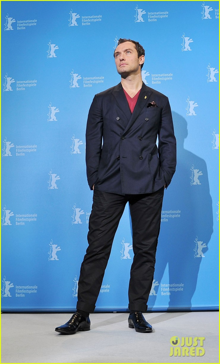 jude law side effects berlin photo call 03