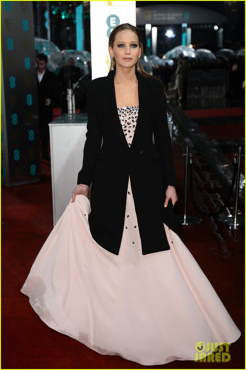 jennifer lawrence baftas 2013 red carpet 03