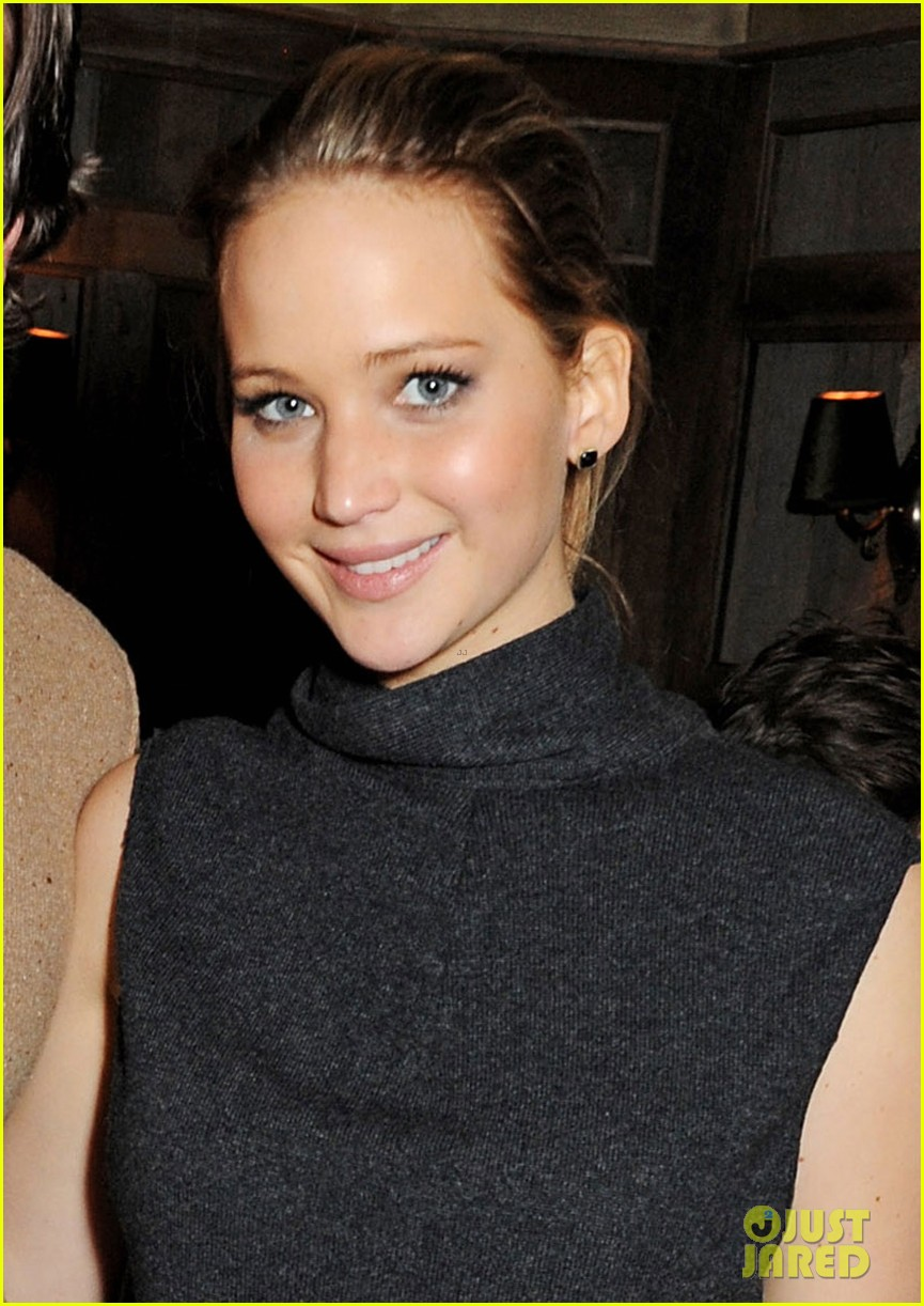 jennifer lawrence bradley cooper silver linings playbook dinner 04