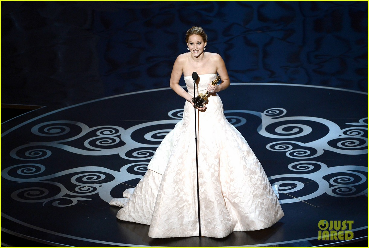 jennifer lawrence wins best actress falls on stage 012819853