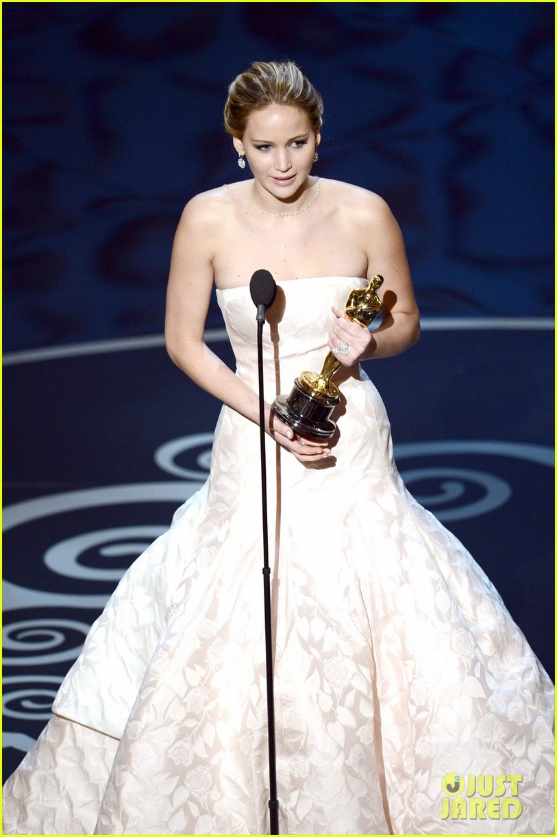 jennifer lawrence wins best actress falls on stage 032819855