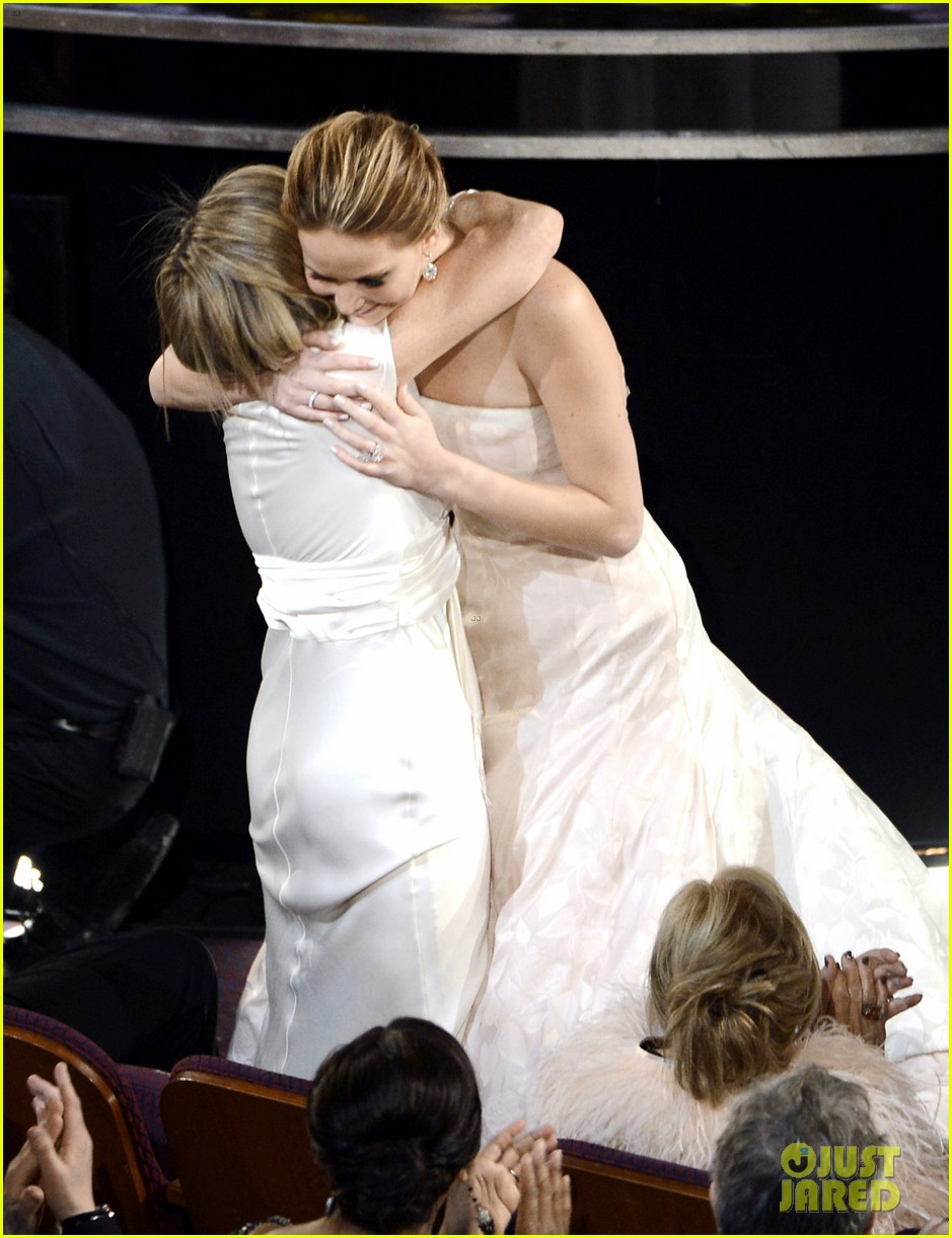 jennifer lawrence wins best actress falls on stage 05