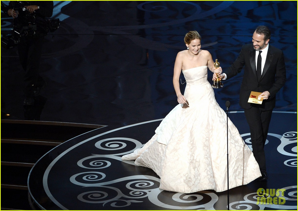 jennifer lawrence wins best actress falls on stage 072819859