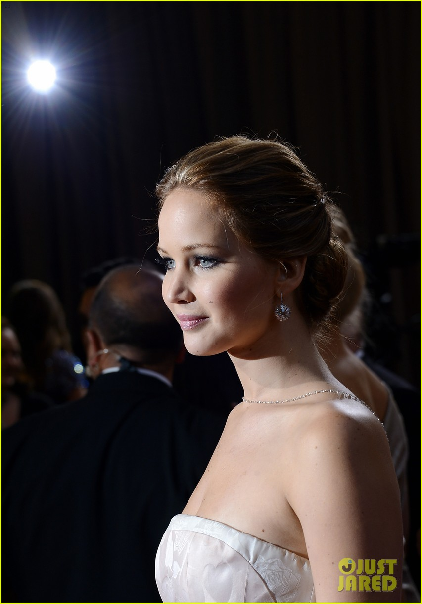 jennifer lawrence wins best actress falls on stage 142819866