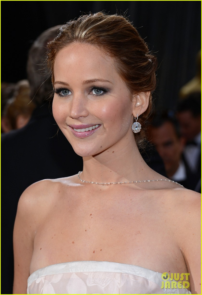 jennifer lawrence wins best actress falls on stage 202819872