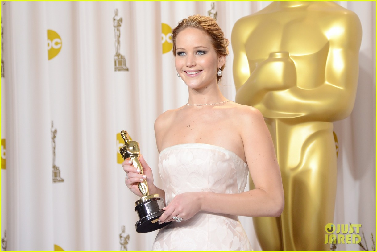 jennifer lawrence oscars press room video 2013 042820312